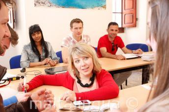 Een leraar Engels leveren van een taalcursus in onze school in Malta.
