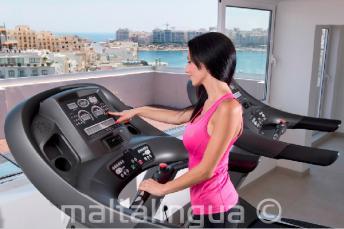 Fitnessruimte met fitnessapparatuur in St. Julians