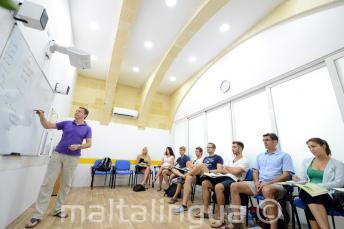 Met airconditioning klas op een school in Malta