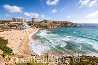 Mening van de Golden Bay strand in Malta