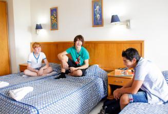 Studenten in hun kamer in de studentenresidentie