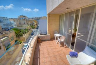 Balkon van Engels taalschool accommodatie in St. Julians