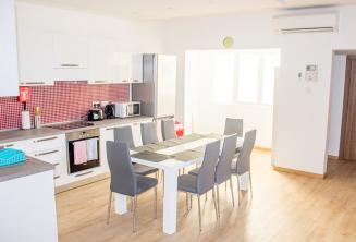 Schoolappartement keuken en eetkamer