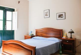 Een slaapkamer in een gastgezin in St. Julians