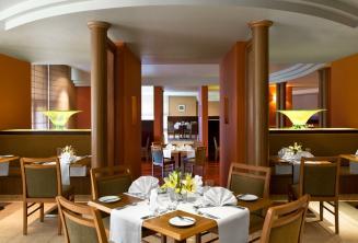 Le Meridien Hotel Restaurant, St. Julians