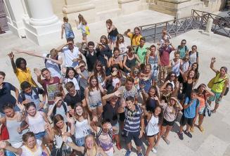 Groep studenten in Valletta