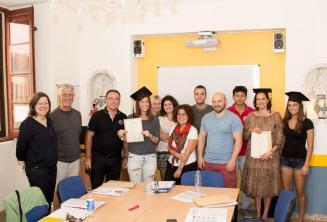 Studenten die met succes een cursus Engels hebben afgerond met ons.